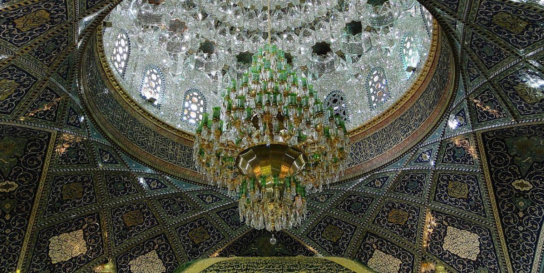 Mood board: 50 Exuberant Chandeliers 1280px Sayyidah Ruqayya Mosque   Chandelier 02 e1369936052884