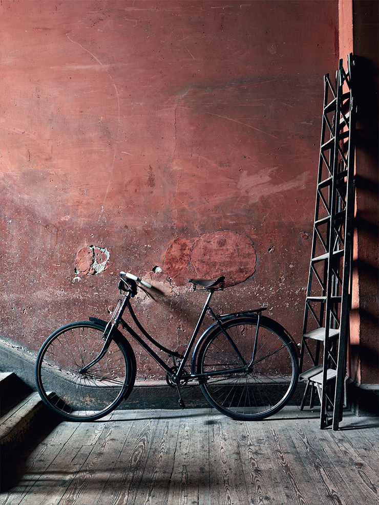 Bicycles, the urban lifestyle and Interior Design urban lifestyle and interior design Bicycles, the urban lifestyle and Interior Design vintage black bike