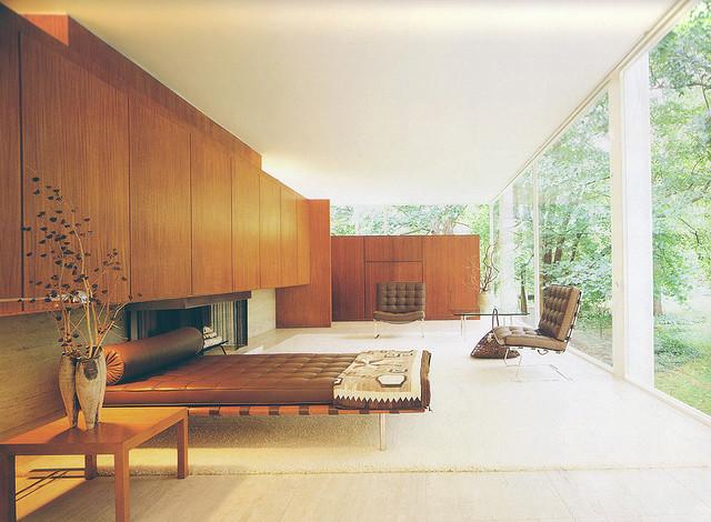vintage interior design Vintage Interior Design: The Nostalgic Style 2488630606 61bf256213 z