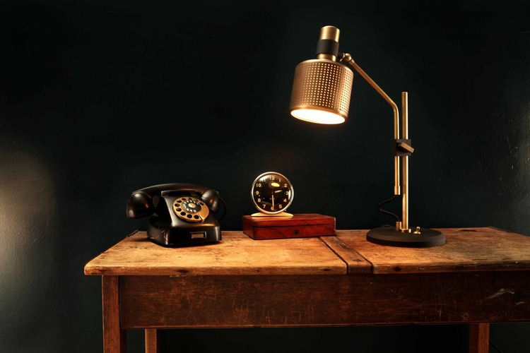 Riddle Table Lamp  International Design & Architecture Awards 2013 - Product static