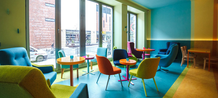 cafein bistro colorful interior  Cafein Bistro in Poland with Eye Popping Color Scheme cafein