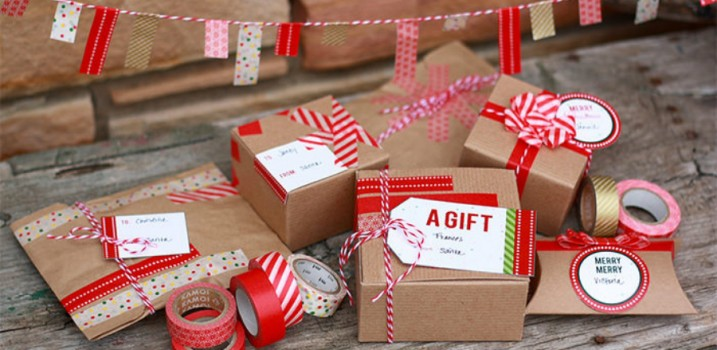 Do it Yourself Christmas Gift Packing