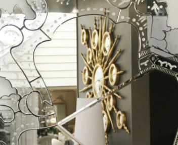 Amazing Decorations with Mirrors that you will love➤ Discover the season's newest designs and inspirations. Visit us at www.designbuildideas.eu #designbuildideas #homedecorideas #colorschemeideas @designbuildideas