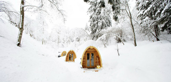 5 Exquisite Tiny Houses and Cabins hidden in Nature➤Discover the season's newest designs and inspirations. Visit us at www.designbuildideas.eu #designbuildideas #homedecorideas #colorschemeideas @designbuildideas