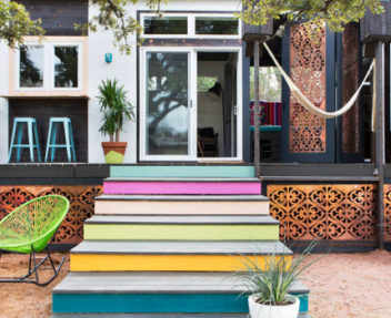 Tiny Vintage Houses With Stylish and Colorful Design to Inspire You ➤ Discover the season's newest designs and inspirations. Visit Design Build Ideas at www.designbuildideas.eu #designbuildideas #homedecorideas #colorschemeideas @designbuildidea