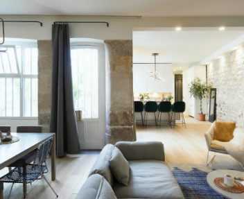 What About This Cool Parisian Modern Home Makeover By Studio 10surdix? ➤ Discover the season's newest designs and inspirations. Visit Design Build Ideas at www.designbuildideas.eu #designbuildideas #bestdesignevets #designevents #londondesignfestival #londondesignfestival2017 @designbuildidea