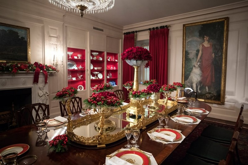 Melania Trump Unveils Long-awaited 2017 White House Christmas Decorations - Christmas 2017 - White House Christmas Tours 2017 ➤ Discover the season's newest designs and inspirations. Visit Design Build Ideas at www.designbuildideas.eu #designbuildideas #WhiteHouse #ChristmasDecorations #MelaniaTrump #Christmas2017 @designbuildidea white house christmas decorations Melania Trump Unveils White House Christmas Decorations Melania Trump Unveils Long awaited 2017 White House Christmas Decorations Christmas 2017 White House Christmas Tours 2017 16