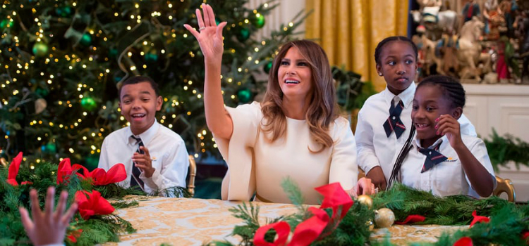 Melania Trump Unveils Long-awaited 2017 White House Christmas Decorations - Christmas 2017 - White House Christmas Tours 2017 ➤ Discover the season's newest designs and inspirations. Visit Design Build Ideas at www.designbuildideas.eu #designbuildideas #WhiteHouse #ChristmasDecorations #MelaniaTrump #Christmas2017 @designbuildidea white house christmas decorations Melania Trump Unveils White House Christmas Decorations Melania Trump Unveils Long awaited 2017 White House Christmas Decorations Christmas 2017 White House Christmas Tours 2017