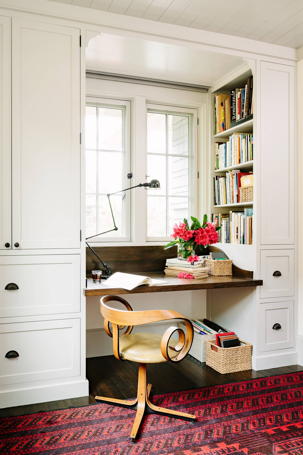 18 Awe-Inspiring Home Office Designs full of Colors and Textures 7