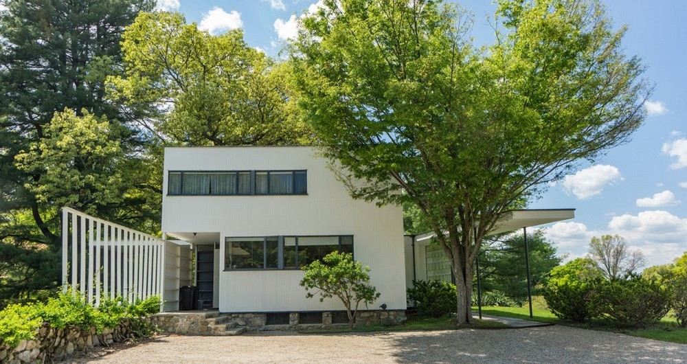 Pay a Visit to 10 Mid-Century Modern Homes Built by Famous Architects 3 Mid-Century Modern Homes Pay a Visit to 10 Mid-Century Modern Homes Built by Famous Architects Pay a Visit to 10 Mid Century Modern Homes Built by Famous Architects 3