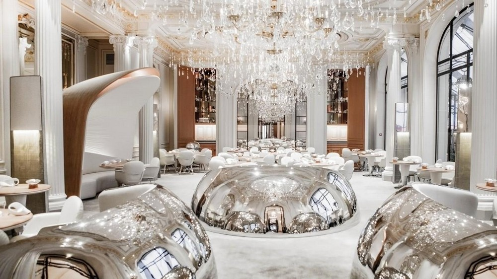 Luxury Restaurants & Hotels in Paris to Experience