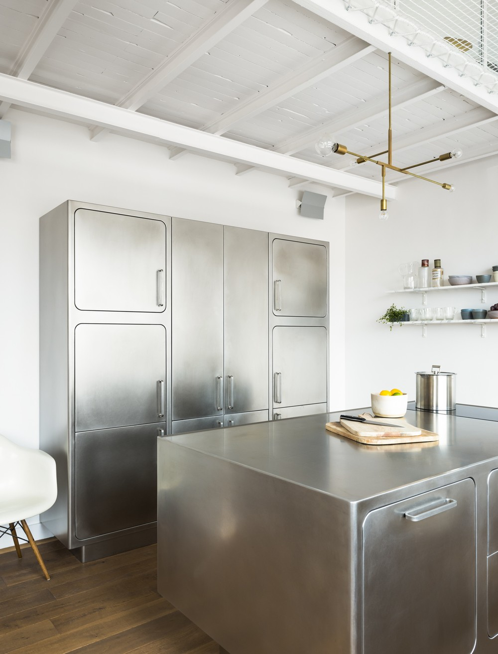 Industrial Style Kitchen This Industrial Style Kitchen Will Be the Division of Your Dreams This Industrial Style Kitchen Will Be the Division of Your Dreams 6