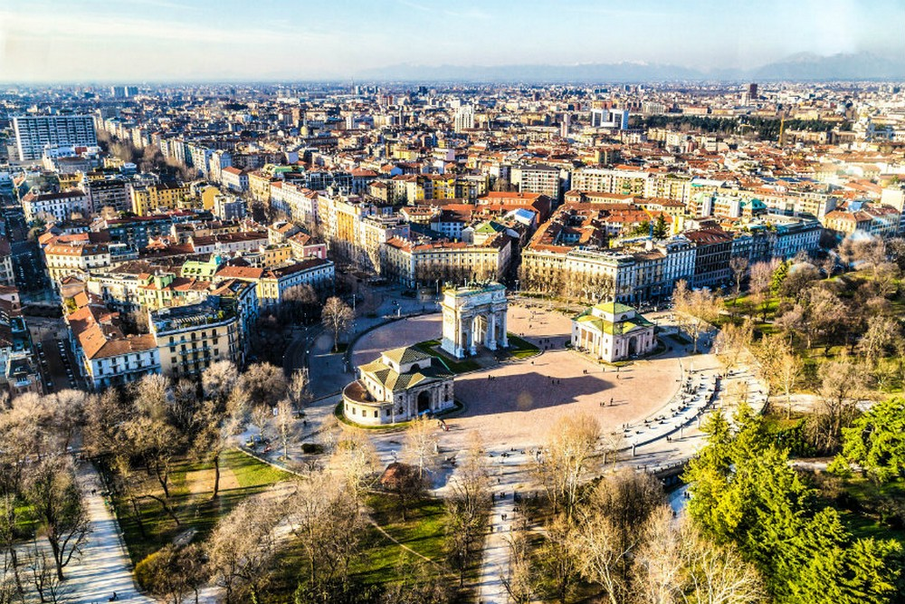 leonardo da vinci A discovery of both Milan and Leonardo Da Vinci's Work & History An overview of the city of Milan in Italy iStock 000060172226 Large 2 1