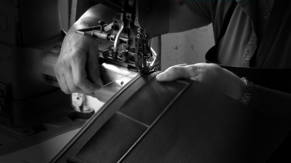 italian craftsmanship Let's have a look at the Most Exquisite Italian Craftsmanship The Most Exquisite Italian Craftsmanship Italian Leather Munari