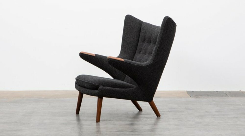 1stdibs 1stdibs: this online marketplace helps you find amazing luxury furniture Papa Bear Lounge Chair by Hans Wegner1
