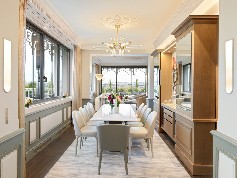 Belle Etoile Suite at Hotel Le meurice 11
