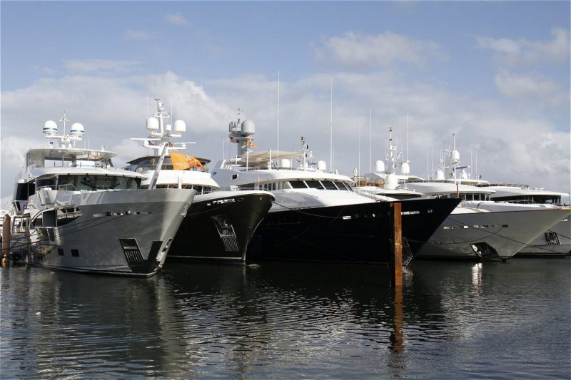 Palm Beach International Boat Show 2020 Event Guide 2 palm Palm Beach International Boat Show 2020 Event Guide palm beach international boat 2020 event guide 2